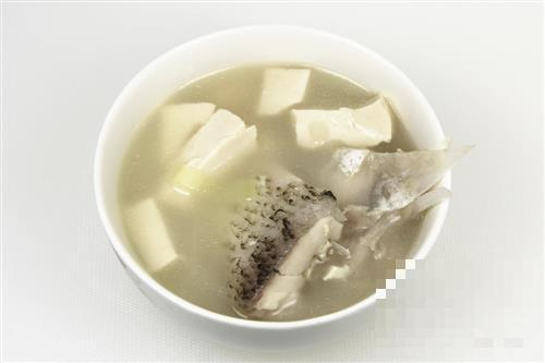 补钙吃什么好?4种食物+4道汤帮你补足钙