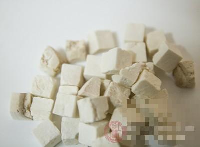茯苓的功效 茯苓与土茯苓的区别