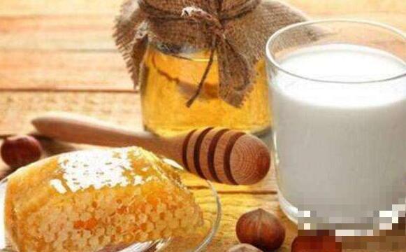 牛奶蜂蜜面膜怎么调 牛奶蜂蜜面膜的做法步骤教程