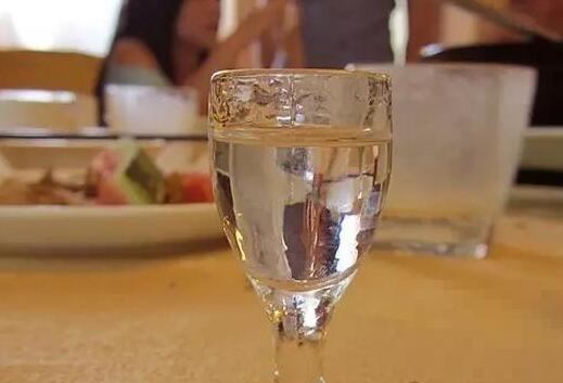 喝白酒的好处和坏处有哪些